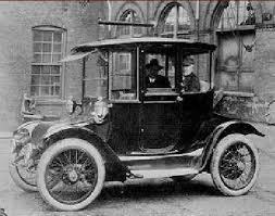 1835 Here Is Our Friend Thomas Davenport With His Invention Of The First American Made Electric Vehicle This Car Ran Off Non Rechargeable Batteries